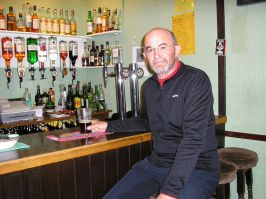 Crask Inn - Beers sampled: Dark Island and Red Kite - Lovely cake too!