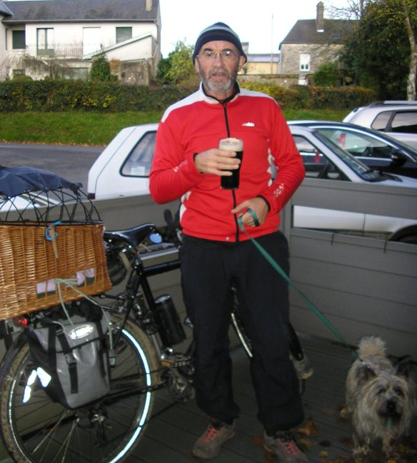 Thought I deserved a pint of Guinness to mark 10,000km on my Surly :-)